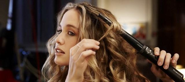 Как научится красиво завивать волосы плойкой