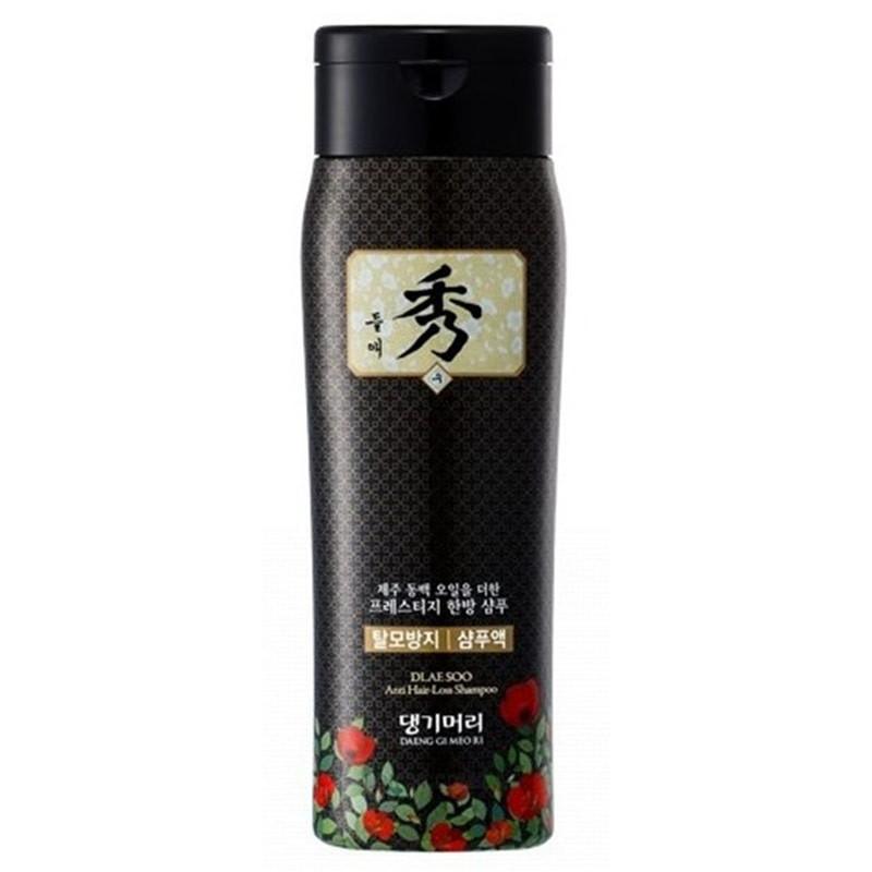 Шампунь Daeng Gi Meo Ri Dlaе Soo Anti-Hair Loss на основе восточных трав с маслом Чеджу Камелии 200 мл