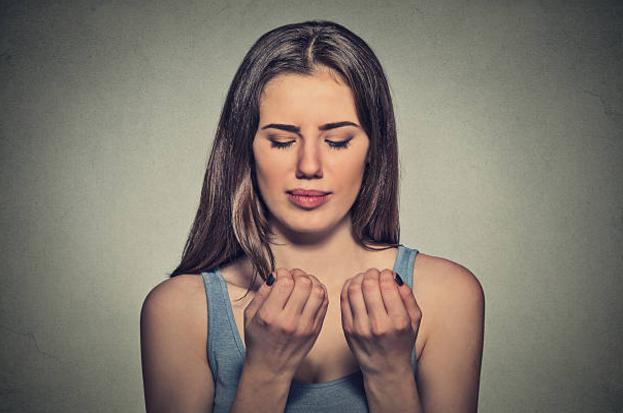 Заусенцы на пальцах: почему они появляются и можно ли этого ...
